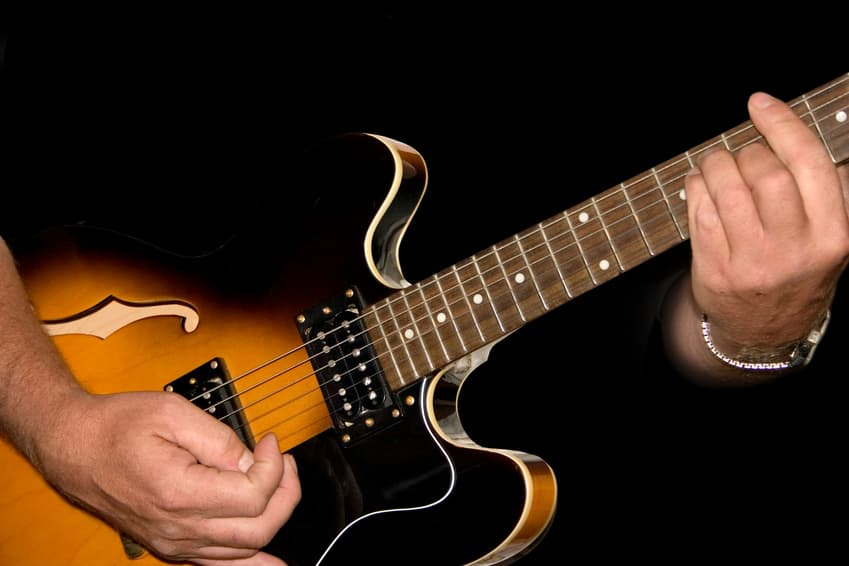 100 Free Resources for Teaching Yourself Guitar
