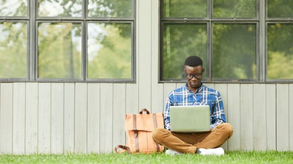 Online Colleges The Offer Free Laptops